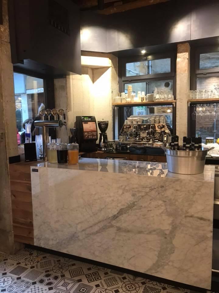 Adagio caf wine bar venezia patavium design for Arredamenti commerciali